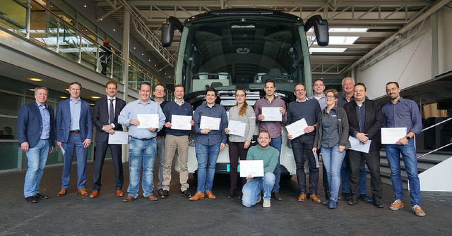 eerste lichting lean six sigma green belt opgeleid bij vdl bus and coach